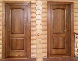 Филенчатые двери в срубе (фото)