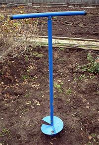 Устройство скважин под фундамент садовым буром (фото)