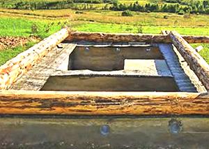 Окладной венец для бани самый прочный из толстых бревен (фото)